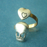 skull ring with a heart love ring