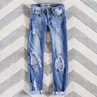 The Lundi Distressed Jean