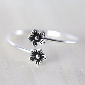 Minimalist Sterling Silver Pinkie Ring, Tiny Silver Flower Ring, simple silver ring JEW004034