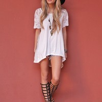 West Coast Wardrobe  Open Road Chaser High Low Tee in White