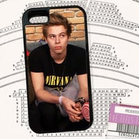 unimpressed Luke Hemmings phone case