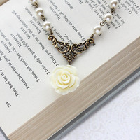 Bridal Necklace Pearl Necklace Bridesmaids Gift Ivory Cream Rose Pendant Country Chic Bridal Statement Jewelry Vintage Style Romantic