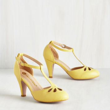 Vintage Inspired Aisle Come Running Heel in Buttercup