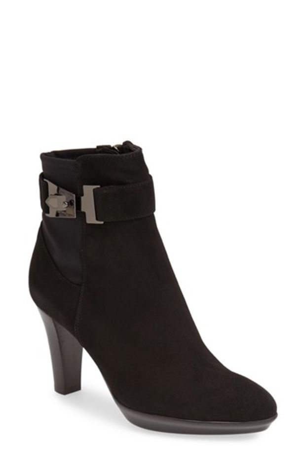 Comfort Shoes Women's Shoes Life Stridr Short Black Boot Heels Side Buckles As Accents Size 8 1/2 Medium Attractive Designs;