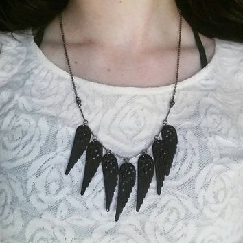 7 wing necklace with vintage sequins // R176