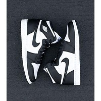 Nike Air Jordan Retro 1 Fashion Women Men High Top Contrast Sports Shoes Sneakers White&Black 1