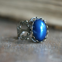 Pearl Amulet Ring - Royal Blue