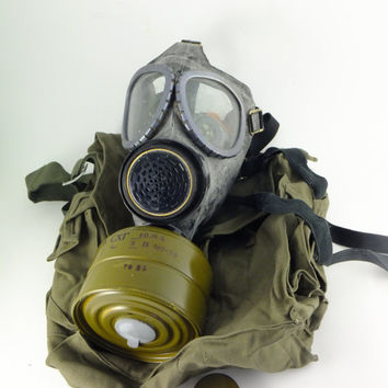 Vintage Gas Mask  Military Gas Mask Never Used Set of Gas and a Bag Steampunk Supplies Halloween party