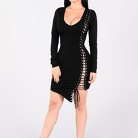 Step a Side Dress - Black