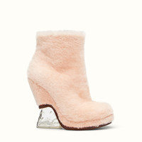 FENDI | FASHION SHOW BOOTS in light pink sheepskin with sculpted heel