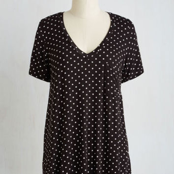 Mid-length Short Sleeves Packing Preserves Top in Black Dots