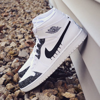Custom Nike AJ1 Jordan White / Black Drip