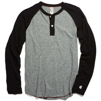 Raglan Henley in Salt and Pepper