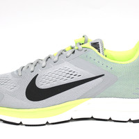 Nike Men's Zoom Structure 17 Wide Width Grey/Volt Running Shoes 624729 007