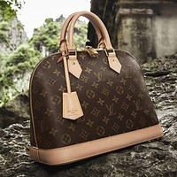 LV Louis Vuitton classic shell bag handbag fashion lady shoulder messenger bag