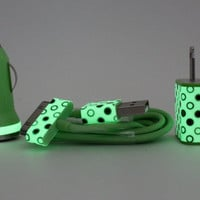 PRE-ORDER Glow in the Dark iPhone charger set - Polka dot wall & car charger compatible with iPhone 5