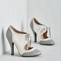 Darling Poised for Perfection Heel in Pebble