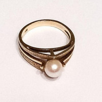 Pearl Ring, 14K Gold Ring, 1960s, Modernist Jewelry
