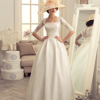 Wedding Gown Sample Sale for Brides on Budget, Under Size 6 this Weekend