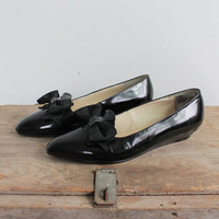 Vintage 80s Black Patent Leather Pointed Bow Flats | sz 6.5