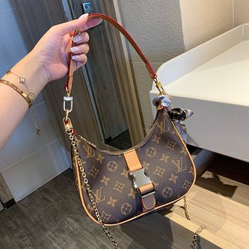 Louis Vuitton LV new western fashion all-match crescent bag simple shoulder bag