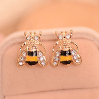 Fashion Personality Earring Cute Lovely Insect Bee Crystal Rhinestone Stud Earring for Women Girls Gold Plated Jewelry Ear Studs