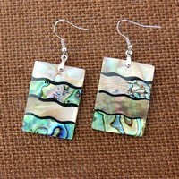 Wavy Layers Shell Earring