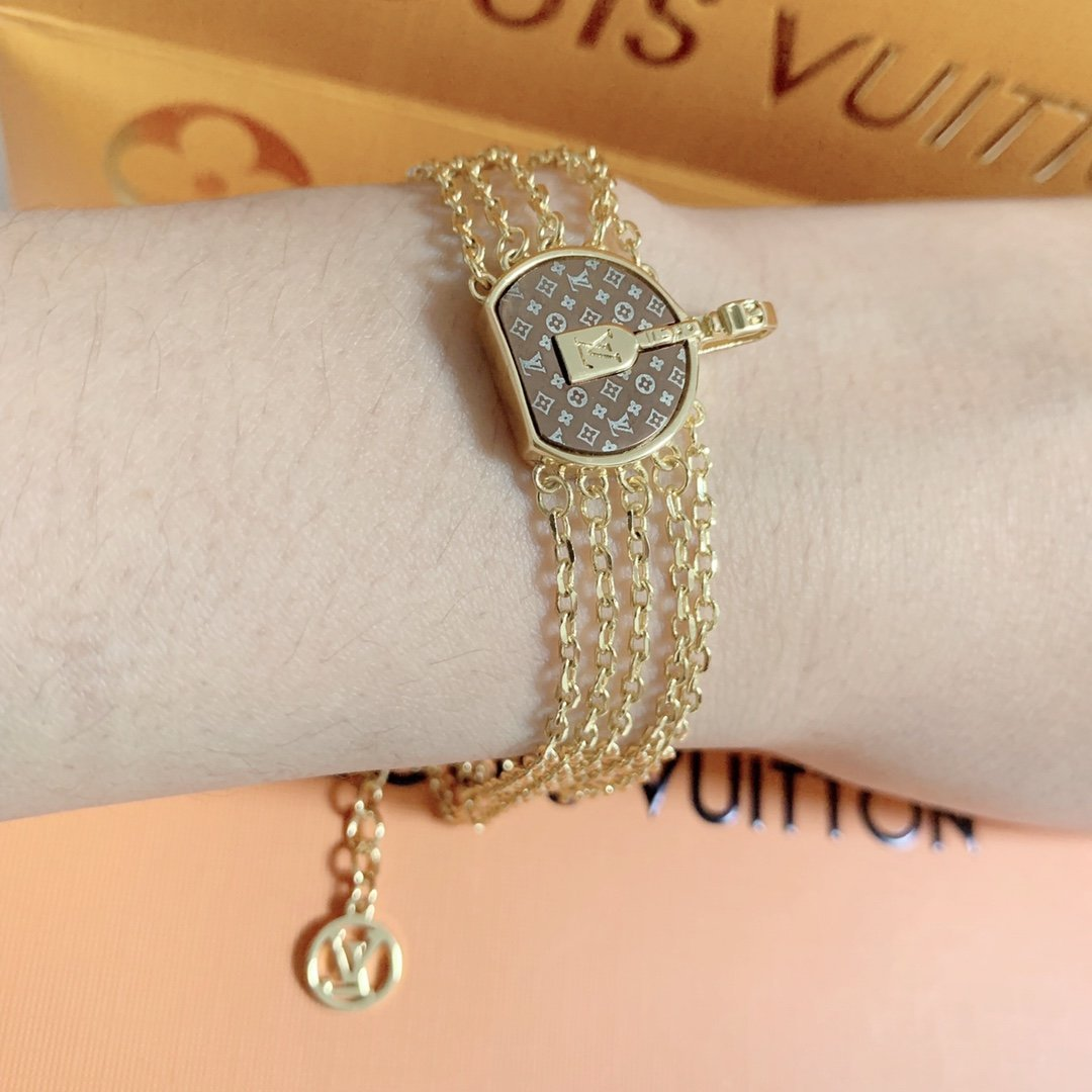Image of LV Louis Vuitton Woman Fashion Accessories Fine Jewelry Ring & Chain Necklace & Earrings Newest Popular Women Delicate
