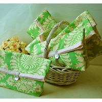 Perfect bags and purses Bridesmaid Clutch Wedding Party by hoganfe