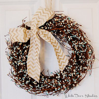 Pip Berry Wreath, Front Door Wreath, Winter Wreath, Spring Wreath, Turquoise Blue and Cream White Pip Berry Wreath