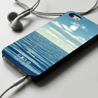 Blue Ocean Beach Bokeh Summer Vintage iPhone 4 Case Sintawaty.com