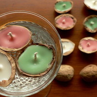 Soy wax floating candles set of 18 walnut shells / Chestnuts scented red green and white color candle / Home & garden decor / Wedding favors