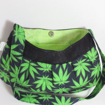 Best Gifts for Your Favorite Female Toker