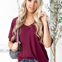 Felicity Basic V-Neck Hi-Low Top | Burgundy