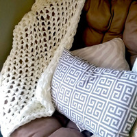 Arm Knit Blanket Made From Soft Acrylic, Chunky Knit Throw, Arm Knitted Blanket, Acrylic Knit Blanket, Hand Knit Throw Blanket, Knit Afghan