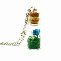 Botanical Necklace, Fairy Garden Jewelry, Terrarium Necklace, Dried Flowers, Preserved Moss, Woodland Jewelry, Boho Fashion, Nature Inspired