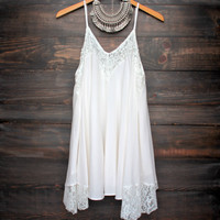 Flower child flowy dress in ivory