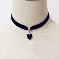 Vintage Black Velvet Choker Crystal Heart Pendant Gothic Handmade PUNK Necklace (Size: 35 cm, Color: Black) = 1946157764