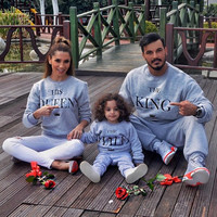 BKLD Fashion autumn winter 2017 New King queen print matching family sweashirt for mother father and daughter son Sweatshirts