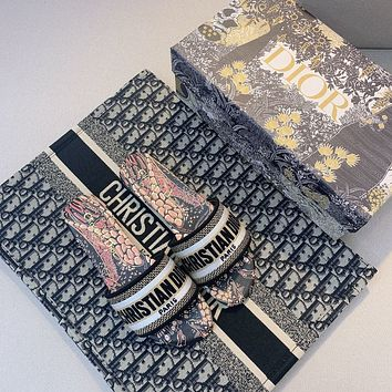 Dior spring and summer holiday embroidered slippers