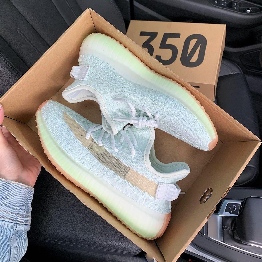 Image of Adidas Yeezy Boost 350 V2 Fashion casual shoes