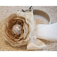 Country Peony rustic wedding, Pet Wedding Accessory, Neutral color, Ivory flower dog collar