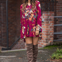 Fall Foliage Floral Print Bell Sleeve Shift Dress (Burgundy)