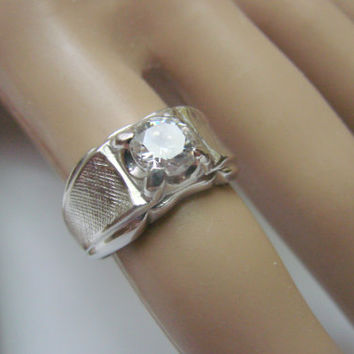 Vintage Sterling Lind Cubic Zirconia Ring / Designer Signed / Size 7 Unisex / 8.0 Grams / Jewelry / Jewellery