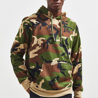 The North Face Camo Hoodie Sweatshirt | Urban Outfitters