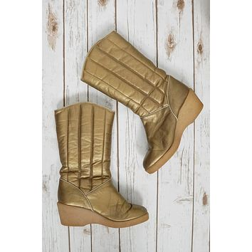 Vintage Metallic Gold Quilted Wedge Boots | 8/8.5