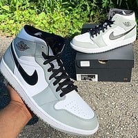 Nike Air Jordan 1 Mid Light Smoke Grey Basketball Shoes Sneakers