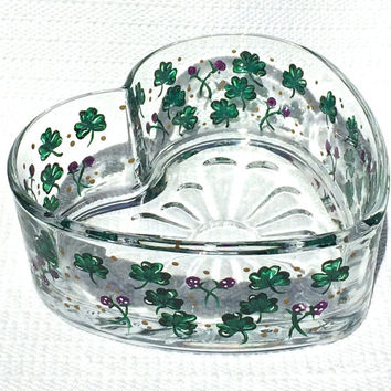 Hand Painted Heart Bowl With Shamrocks, Irish Gifts, Mothers Day Gifts, Home Decor, Heart Shaped Bowl, Birthday Gift