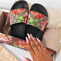 GUCCI Popular Women Men Casual Floral Print Beach Flat Sandals Slippers Shoes