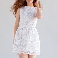Jun & Ivy Daisy Embroidered Dress